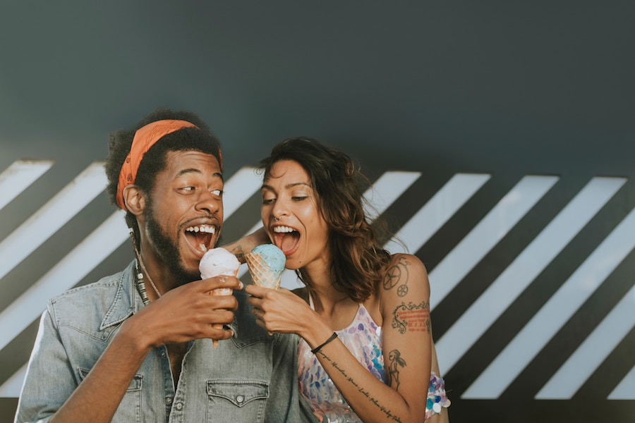 Couple Eating Ice-Cream - First Date Ideas without Alcohol - Introverted Alpha